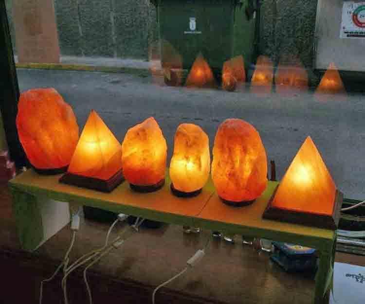 Lámparas de sal en Villanueva de Castellón