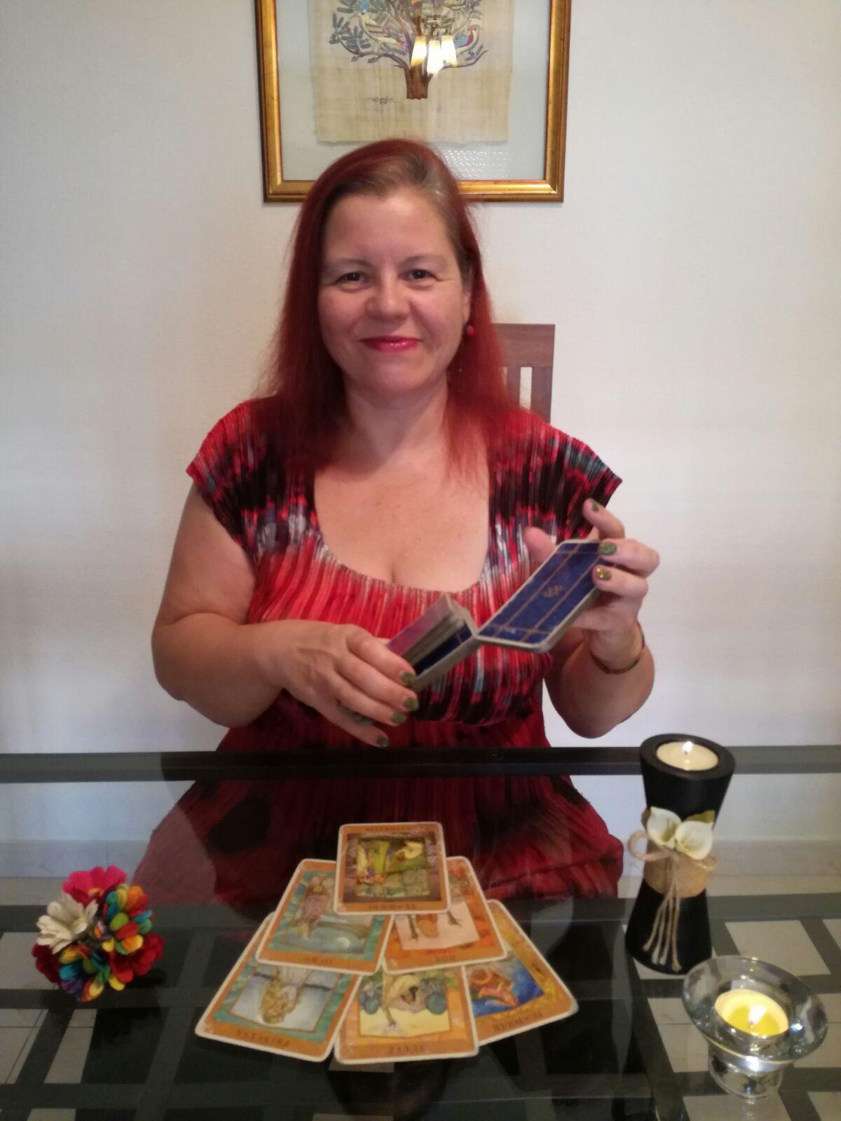 Consulta presencial de tarot y videncia: Servicios de Nina Zadir