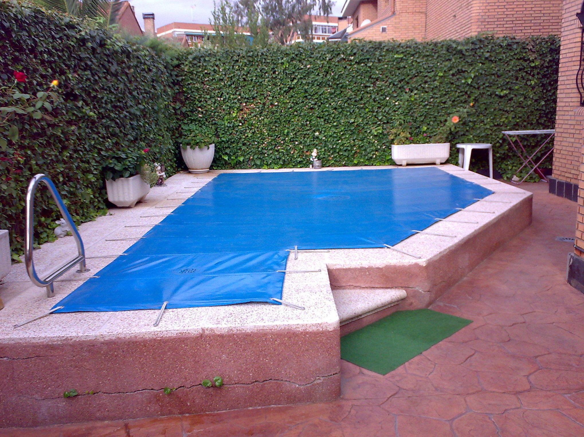Lona de piscina. Instalación de toldos Pozuelo de Alarcón.
