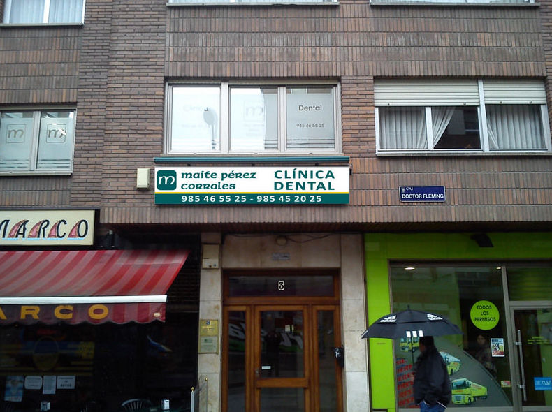 Clinica dental . Mieres