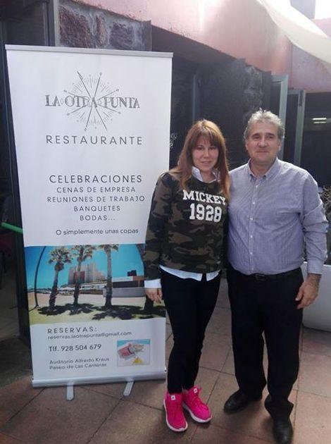 La cantante Tamara y su familia disfrutaron de un delicioso almuerzo en el Restaurante La Otra Punta