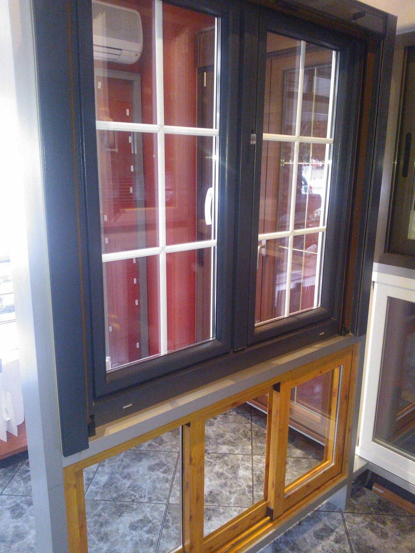 Foto 10 de Carpintería de aluminio, metálica y PVC en Granada | Ventanas y Persianas Persiplast