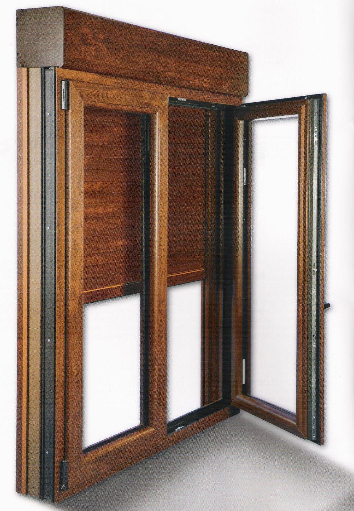 Ventanas de aluminio y pvc abatibles productos y for Ventanas con persianas incorporadas