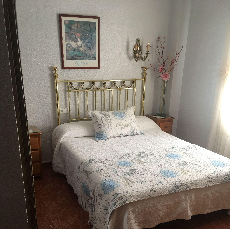 Habitación individual o matrimonial con baño privado