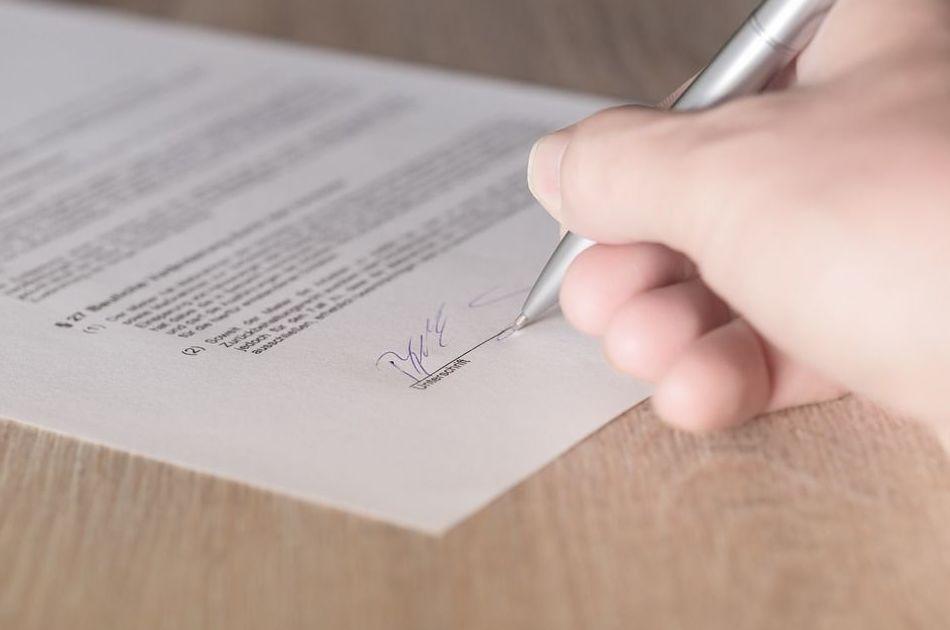 Legitimaciones de firmas: Servicios de Cid y Serra Notarios