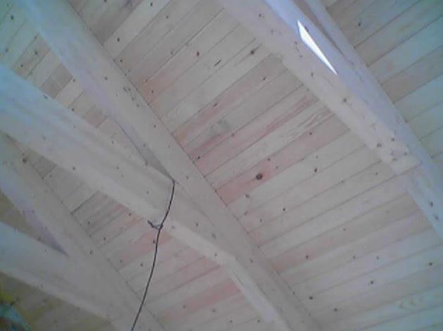 Interior del tejado en madera en Puertollano, Ciudad Real