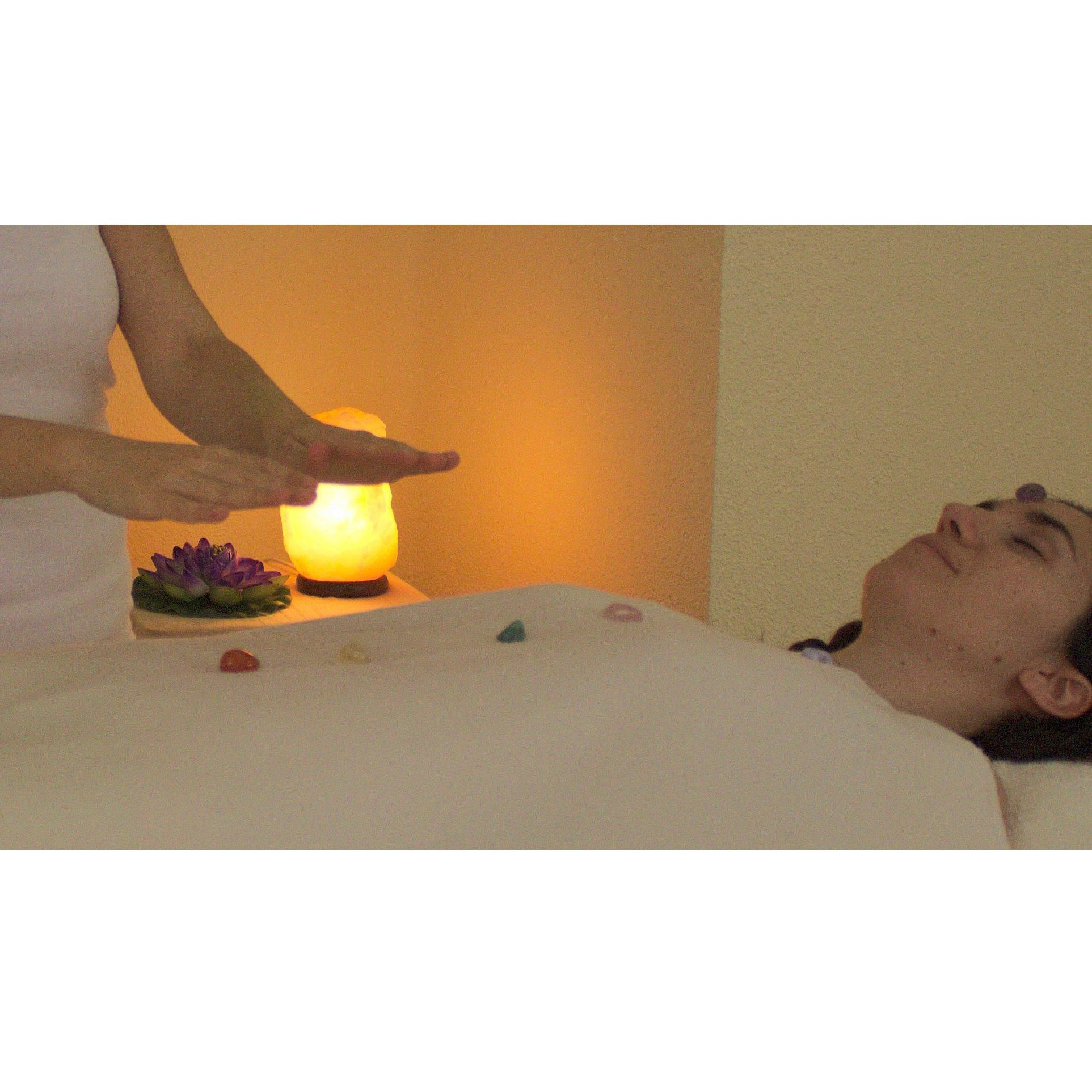Reiki con cristales: Terapias de Yanara
