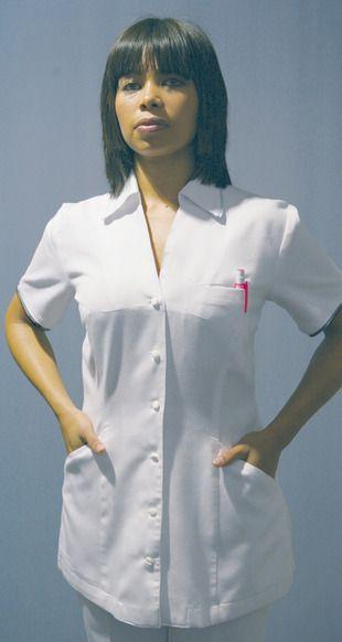 Ref. CL10. Chaqueta blanca manga corta y escote en pico: Catálogo de Del Rey Exclusivas