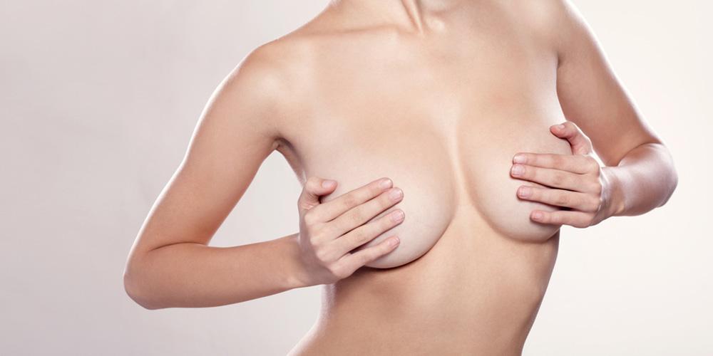 Aumento de mamas con prótesis: Servicios de Doctor Philippe Valenza