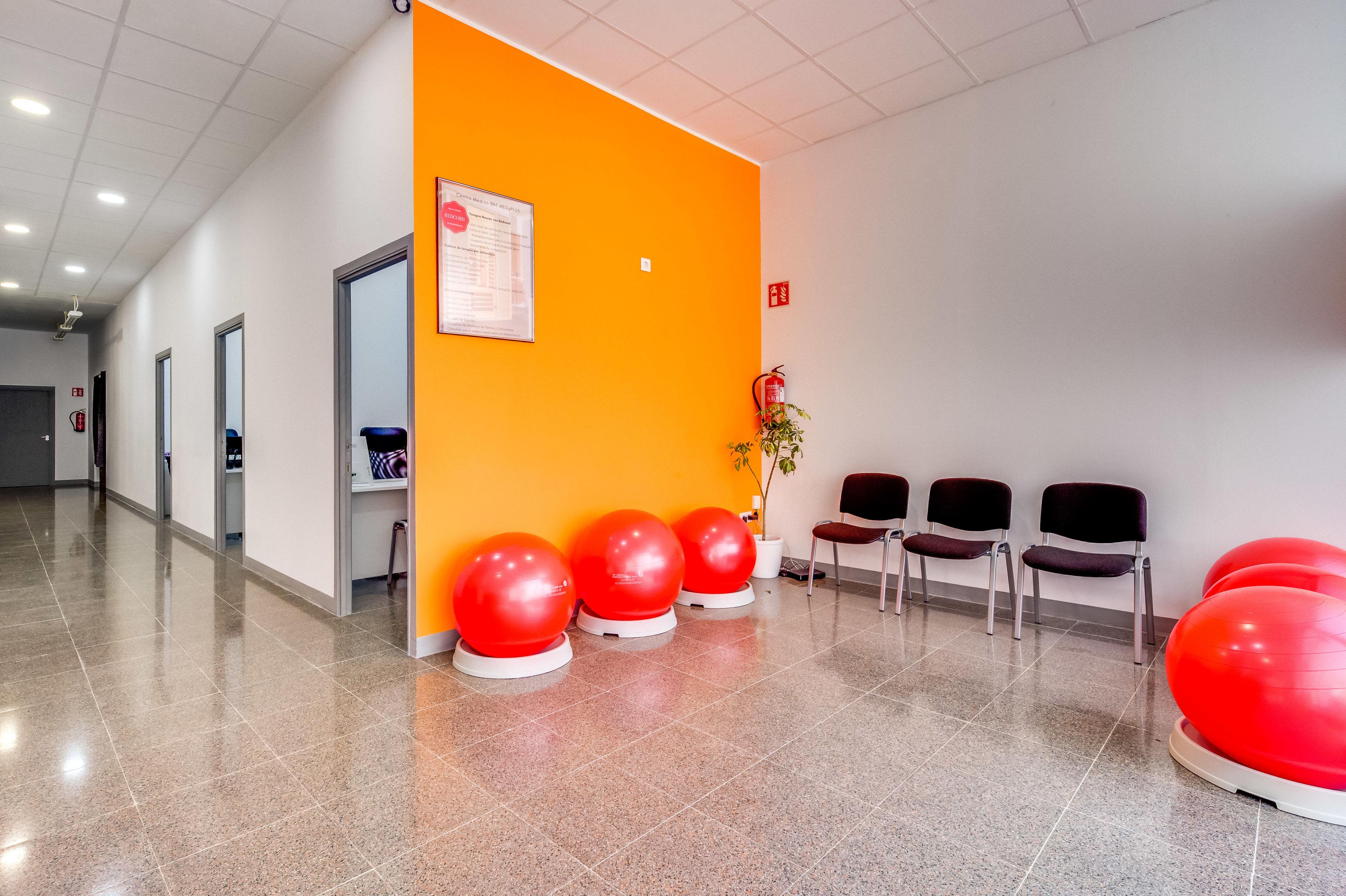 Consultas mèdiques, fisioteràpia i rehabilitació: Servicios de BNT MEDyPLUS