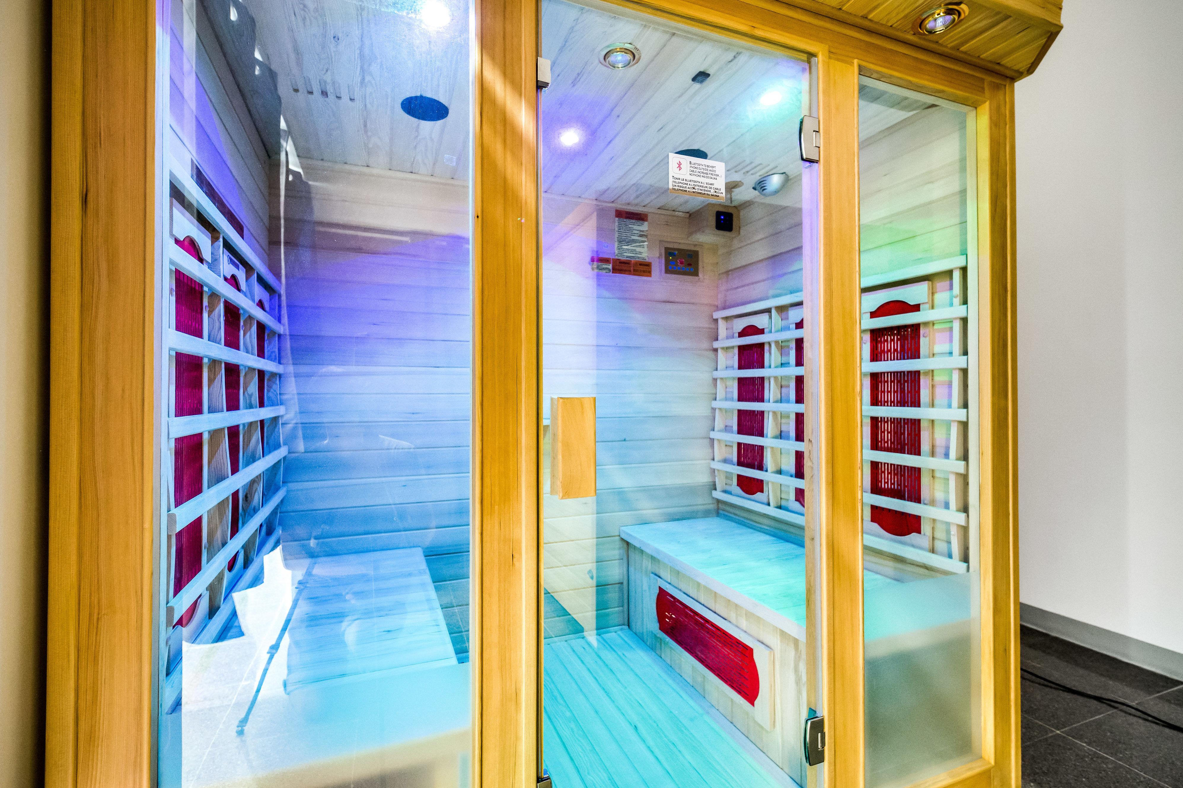 Cabina de teràpia amb infrarojos : Servicios de BNT MEDyPLUS