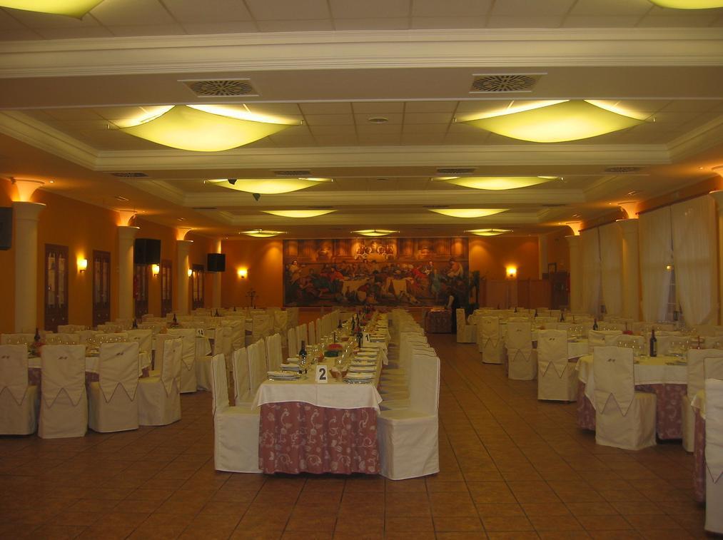 Decoración de salón de boda