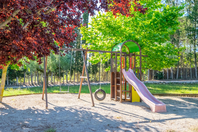 Casa rural con zona de juegos para niños en Barcelona
