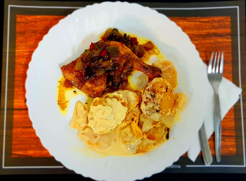Pollo al horno con patatas a la crema