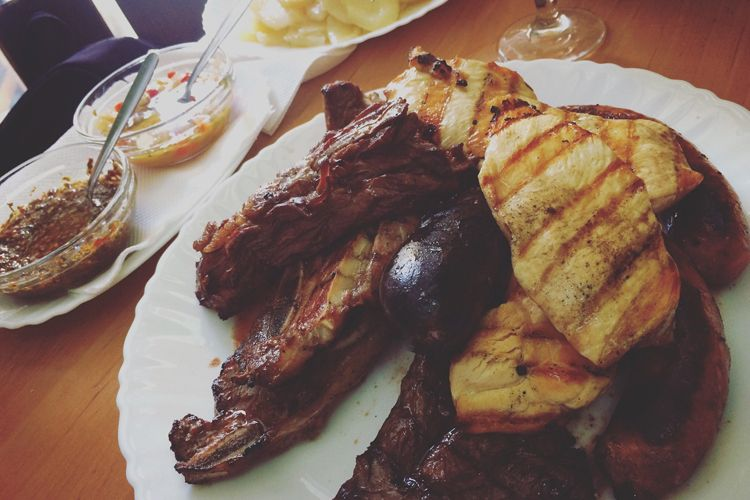 Parrillada de carne para compartir