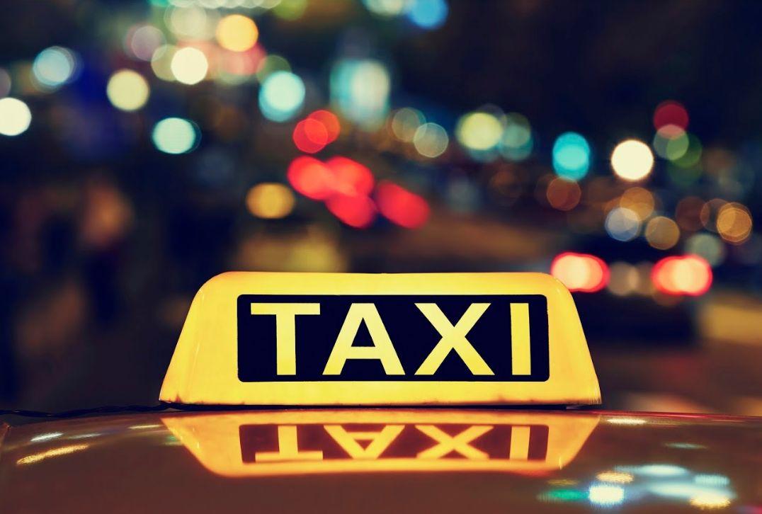 Hoteles y hospitales: Servicios de Taxi Carlos Elda