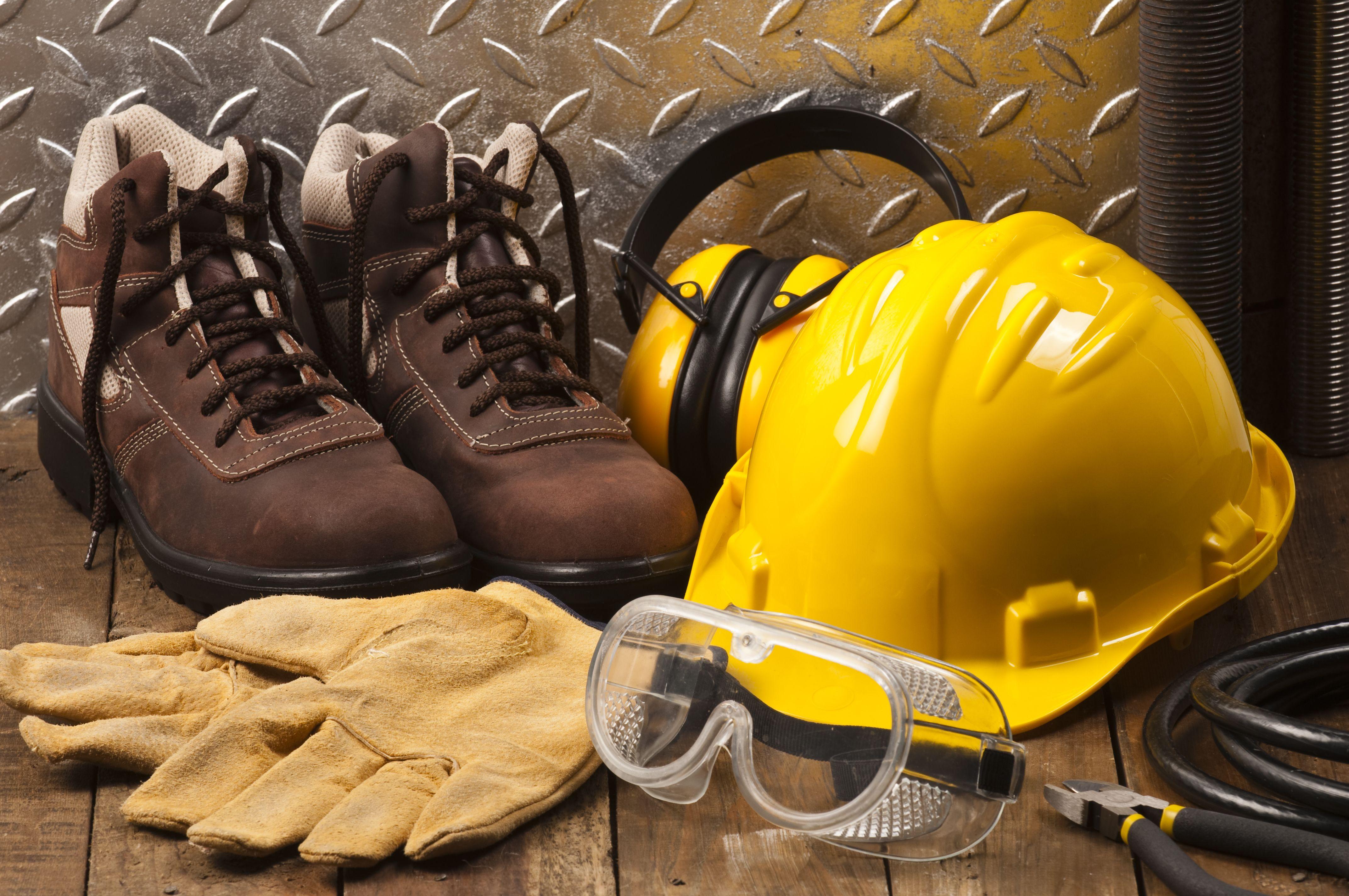 Calzado de seguridad y guantes de trabajo