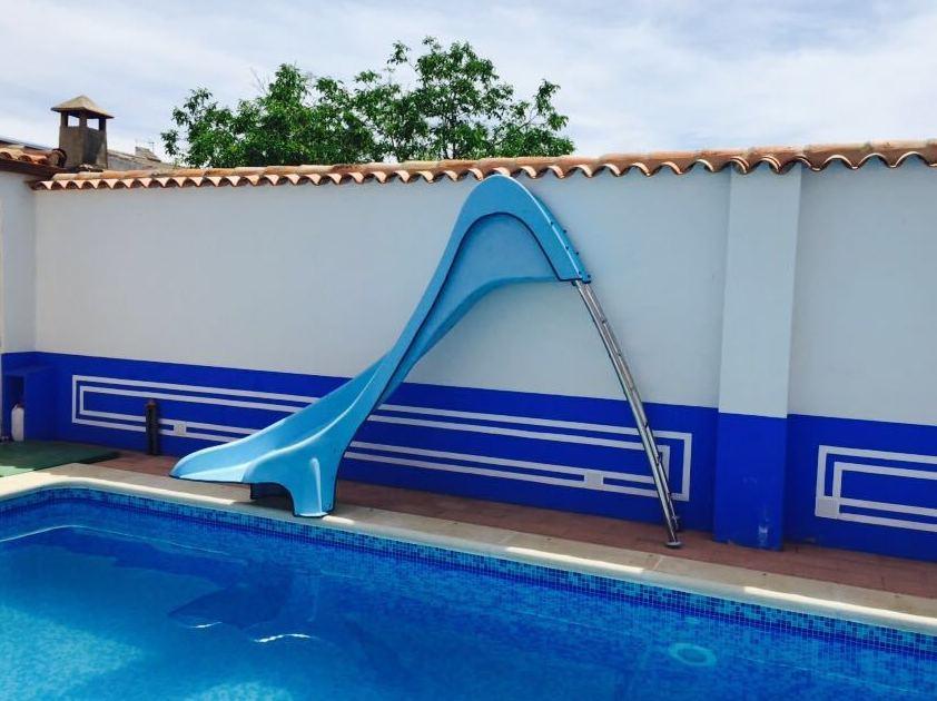 Toboganes para piscinas productos de toboganes del sur - Piscinas de patas ...