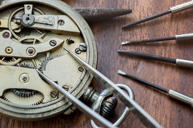 Reparación de relojes antiguos en Pontevedra