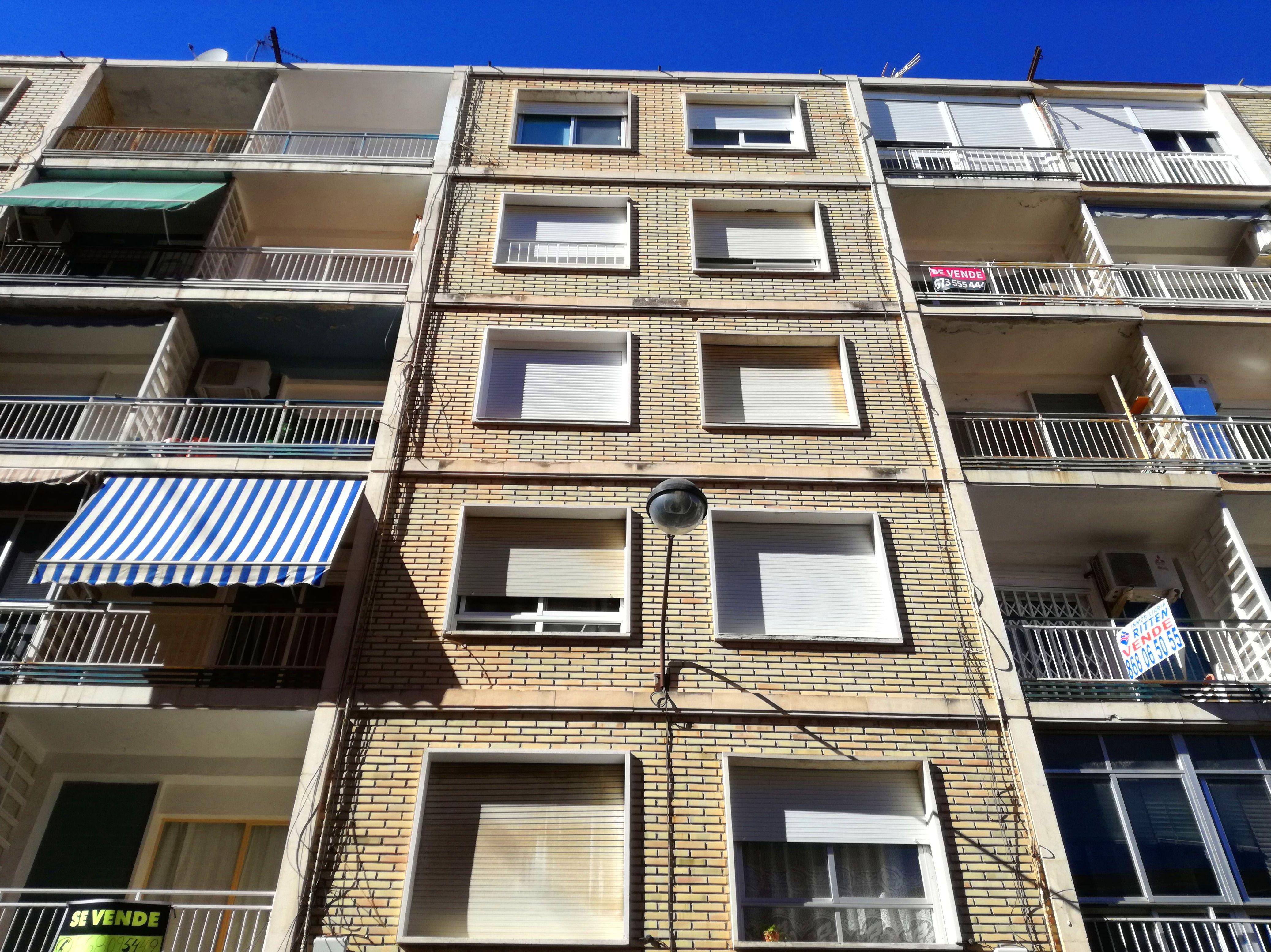 Informe de Evaluación de Edificio en Bloque de Viviendas