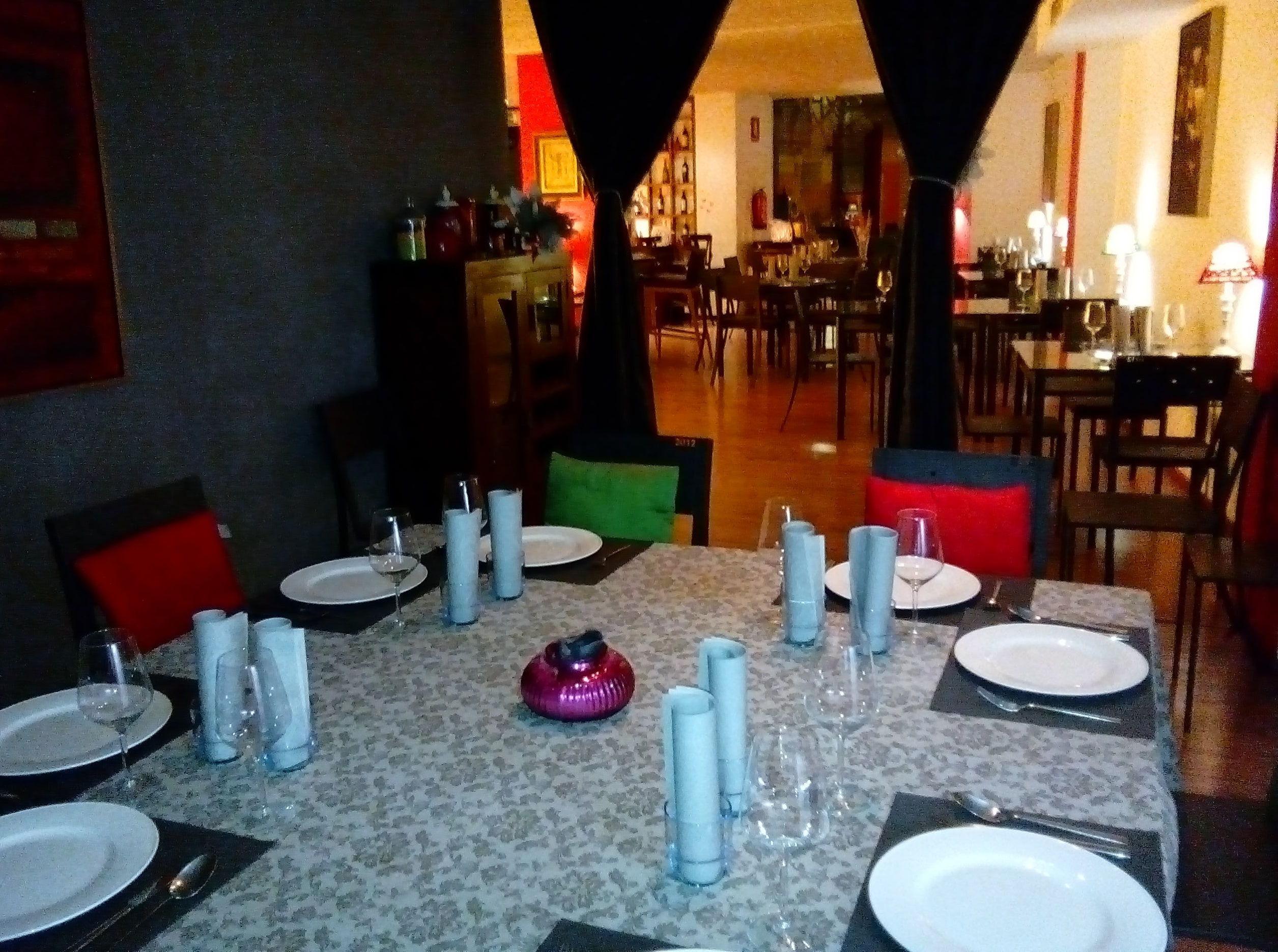 Foto 43 de Restaurante en Valencia | LOURDES ILLUECA DOBÓN