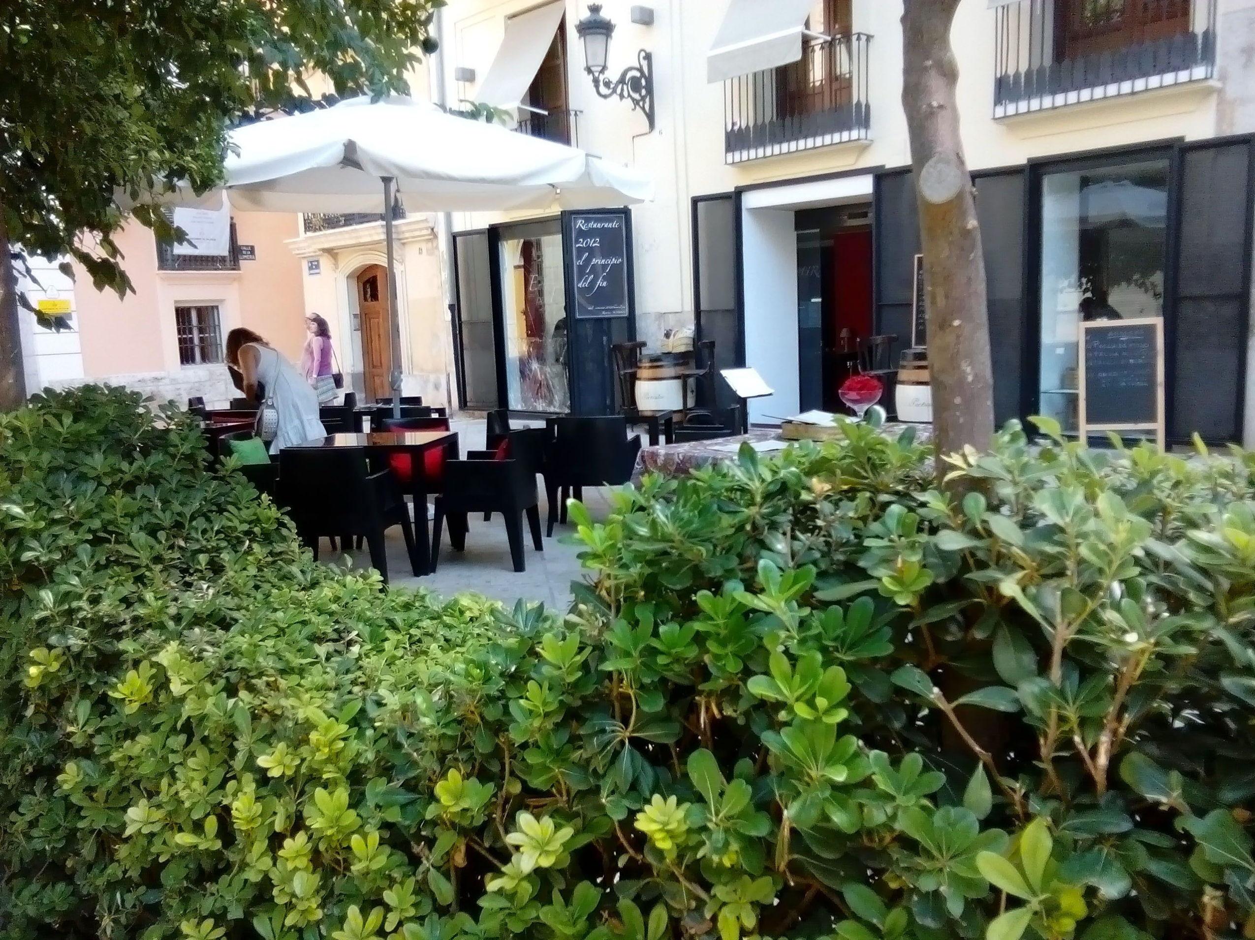 Foto 42 de Restaurante en Valencia | LOURDES ILLUECA DOBÓN