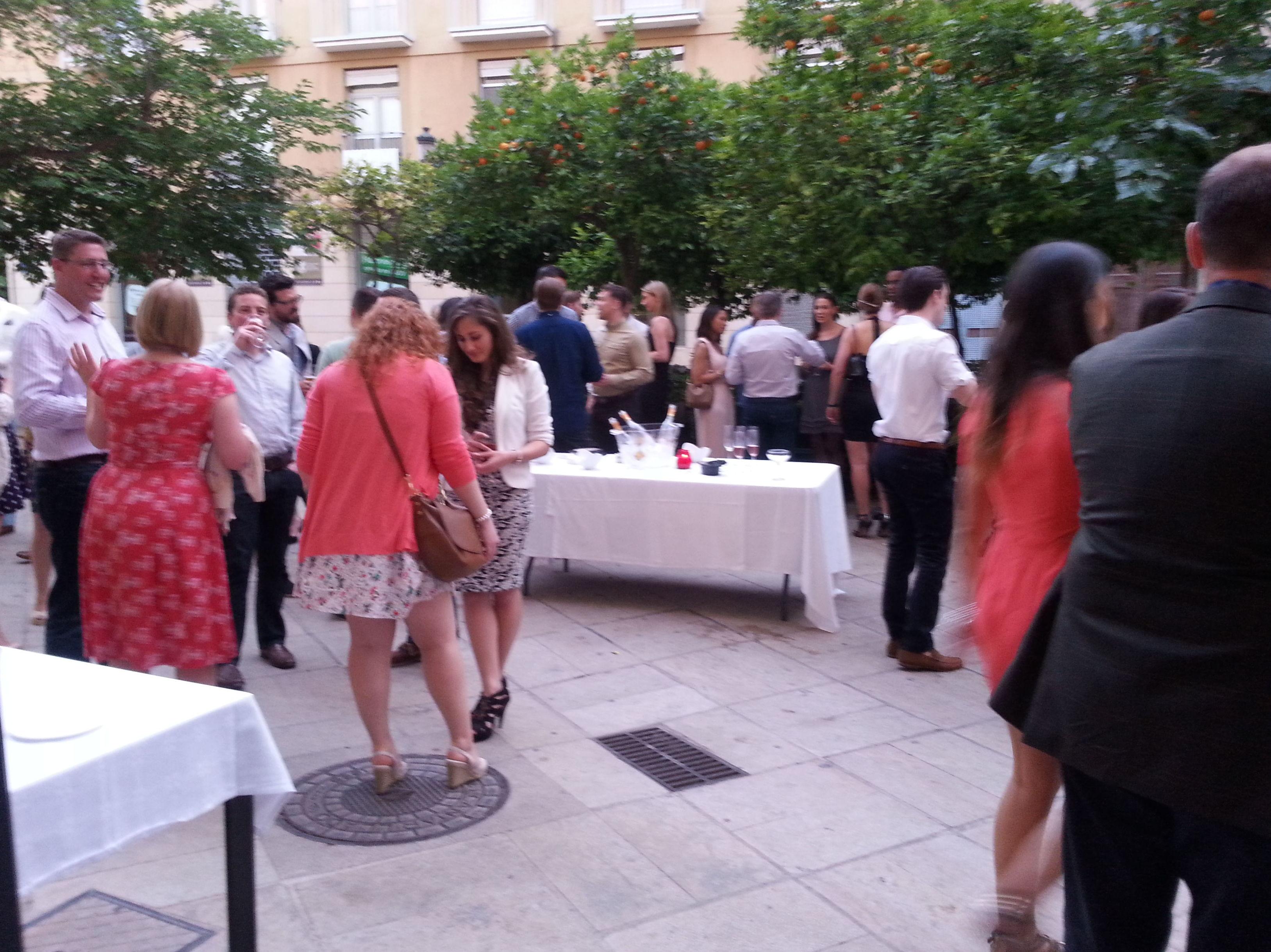 Foto 41 de Restaurante en Valencia | LOURDES ILLUECA DOBÓN
