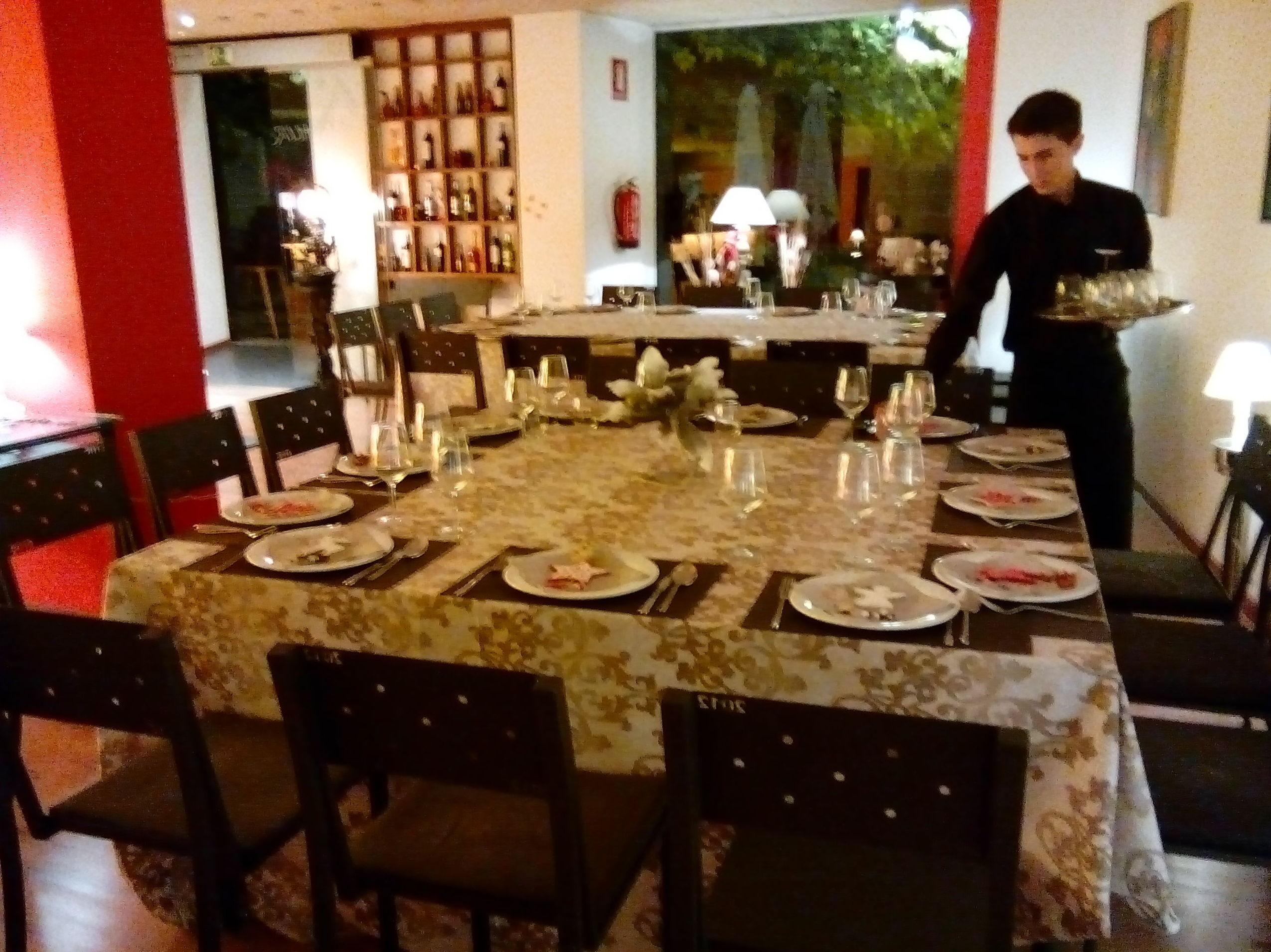 Foto 44 de Restaurante en Valencia | LOURDES ILLUECA DOBÓN