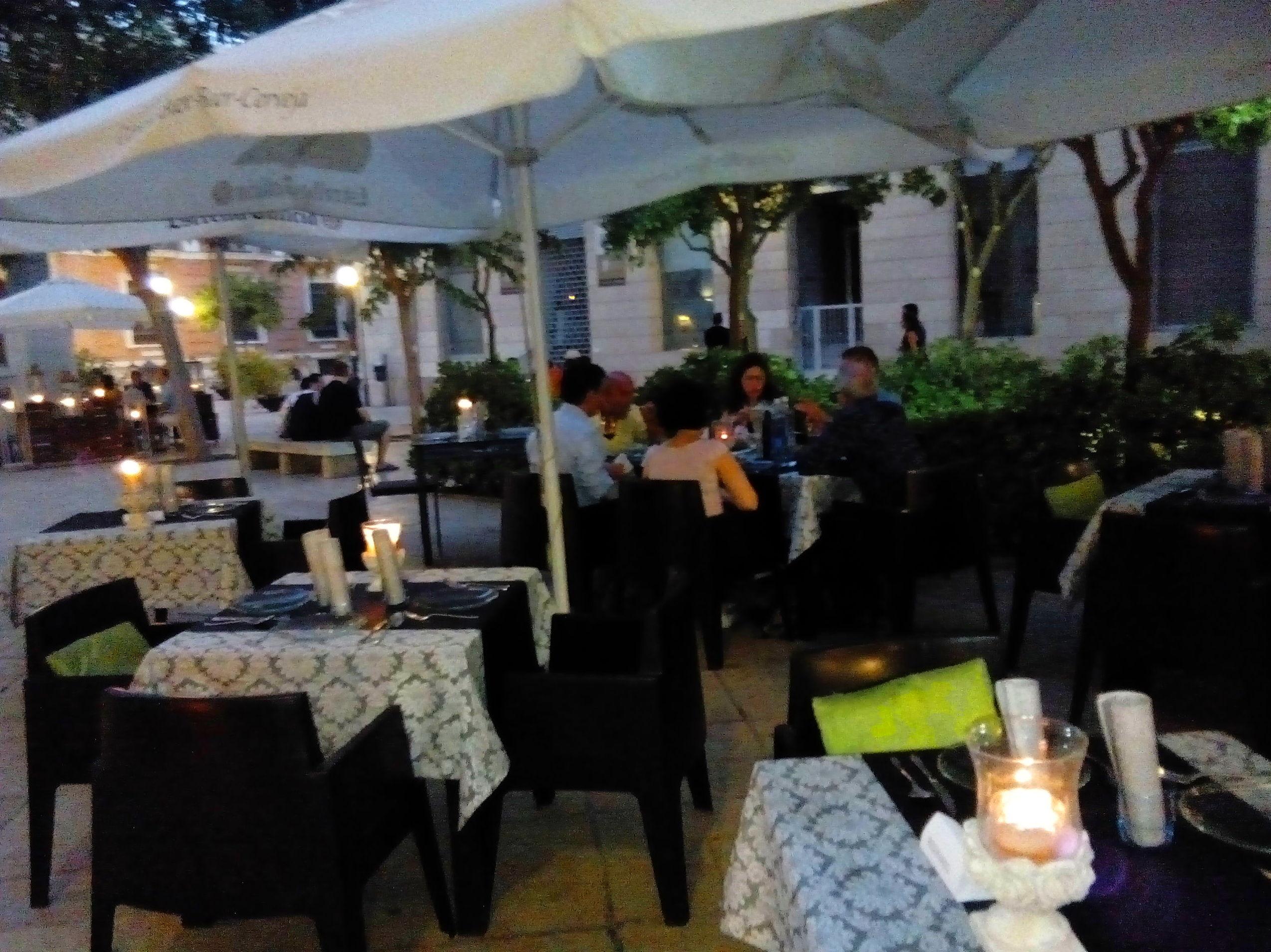 Foto 8 de Restaurante en Valencia | LOURDES ILLUECA DOBÓN