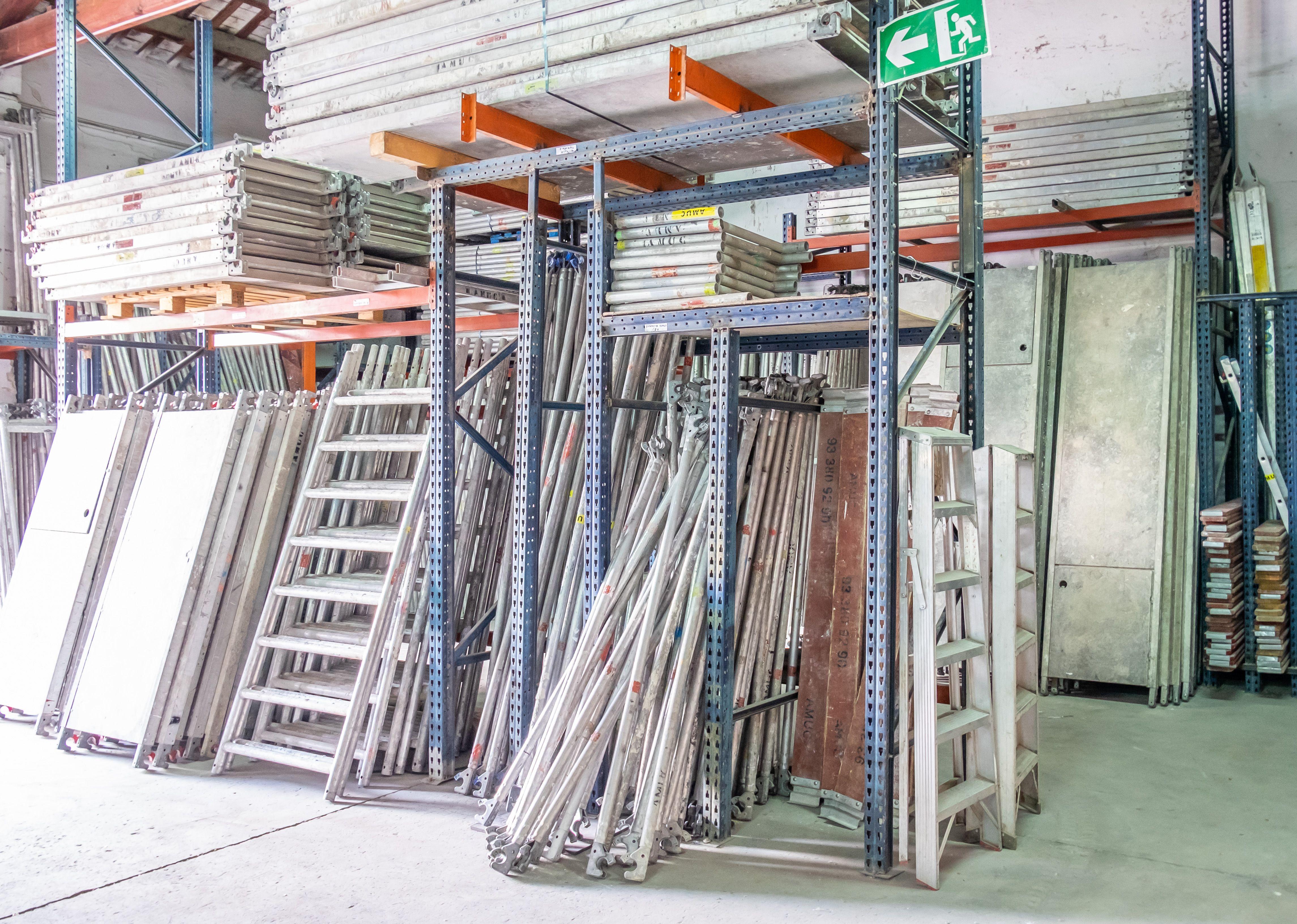 Contamos con andamios de la marca Altrad, fabricadas en acero galvanizado