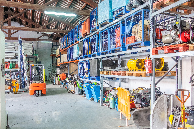 Además de andamios proporcionamos a nuestros clientes todo tipo de maquinaria para la construcción