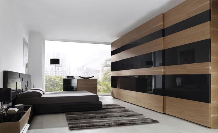 Dormitorio con armario en Gijón