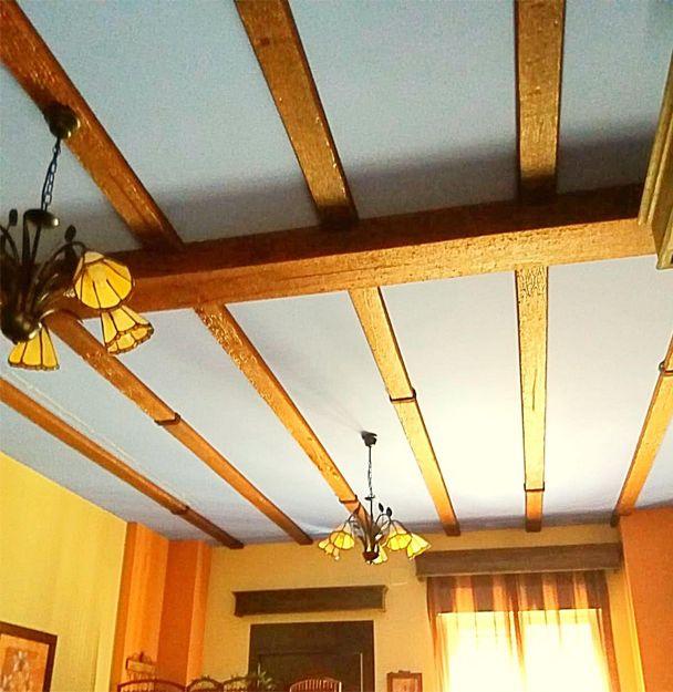 Vigas decorativas de poliuretano que imitan a la madera en Madrid