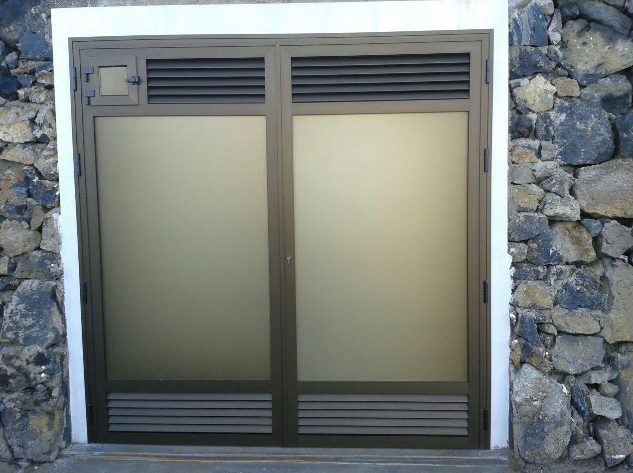 Puerta exterior de aluminio para vivienda