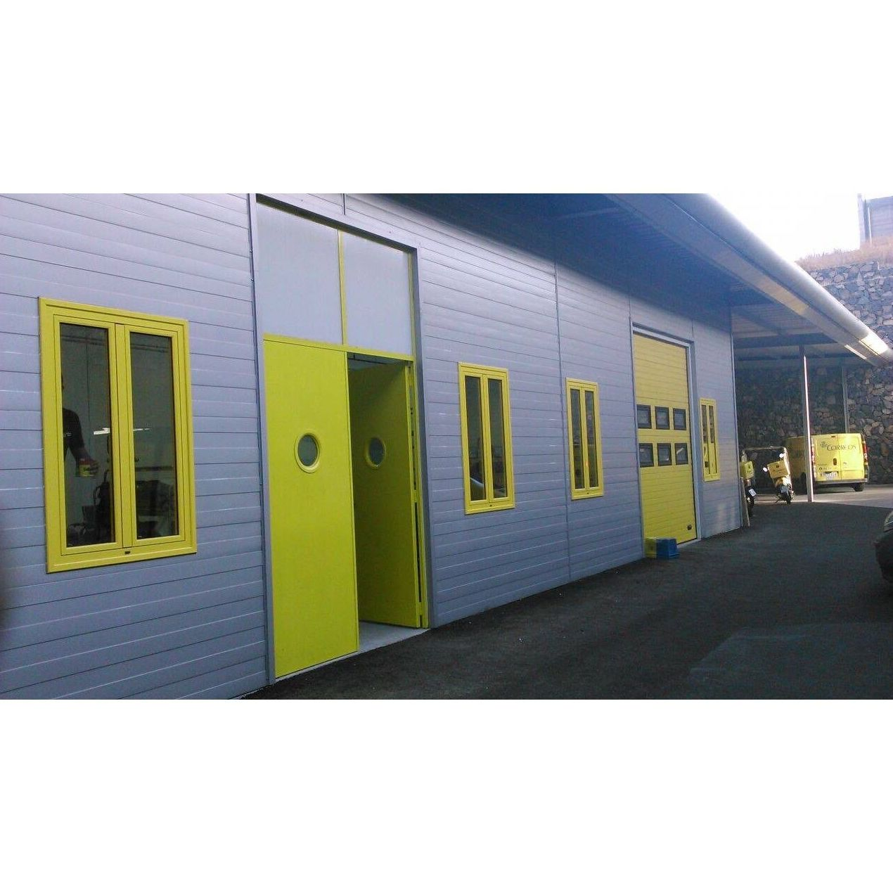 Puertas de garaje: Productos y servicios de Aluminios Vicente