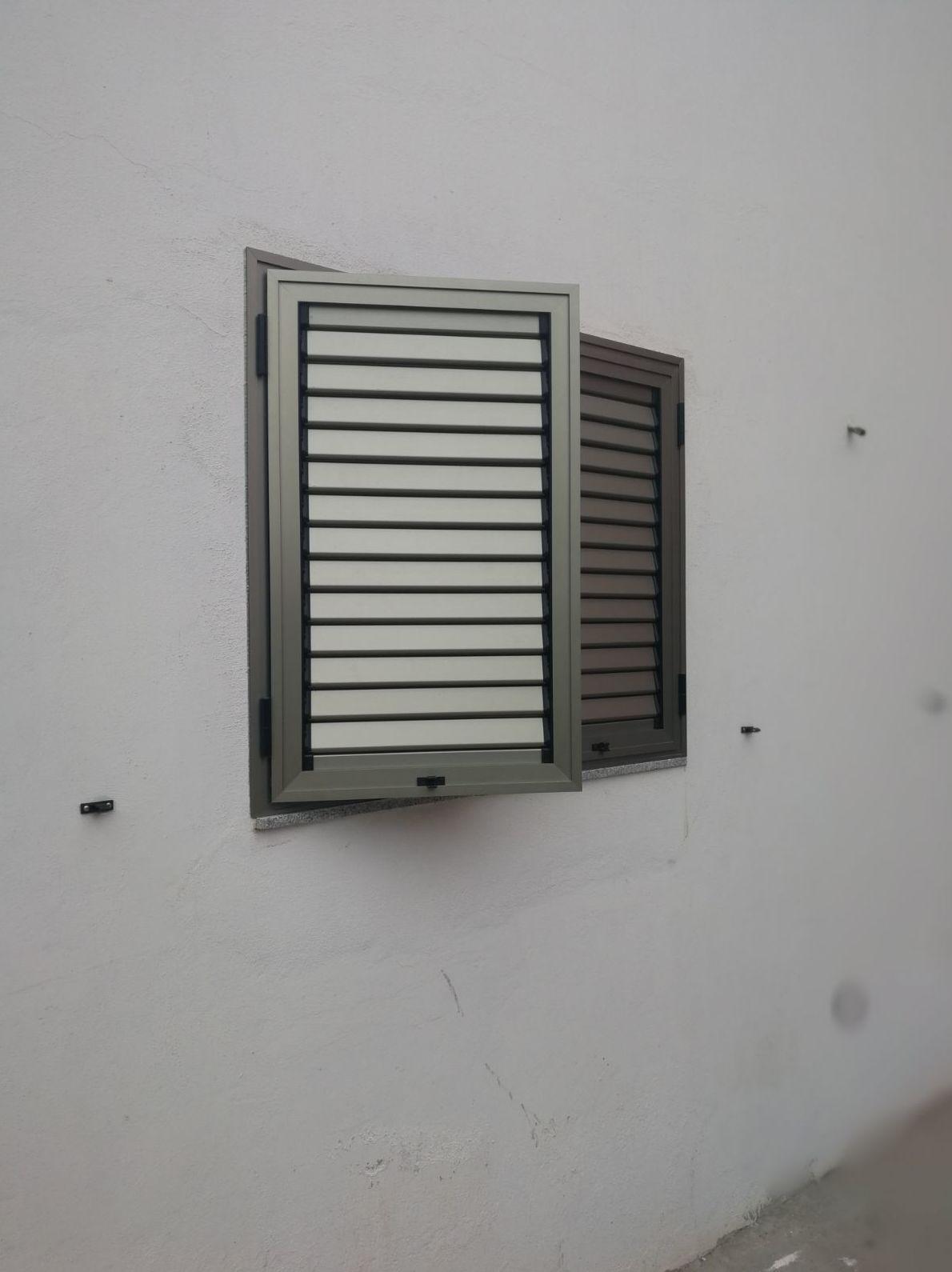 Foto 36 de Cristalerías en    Aluminios Vicente