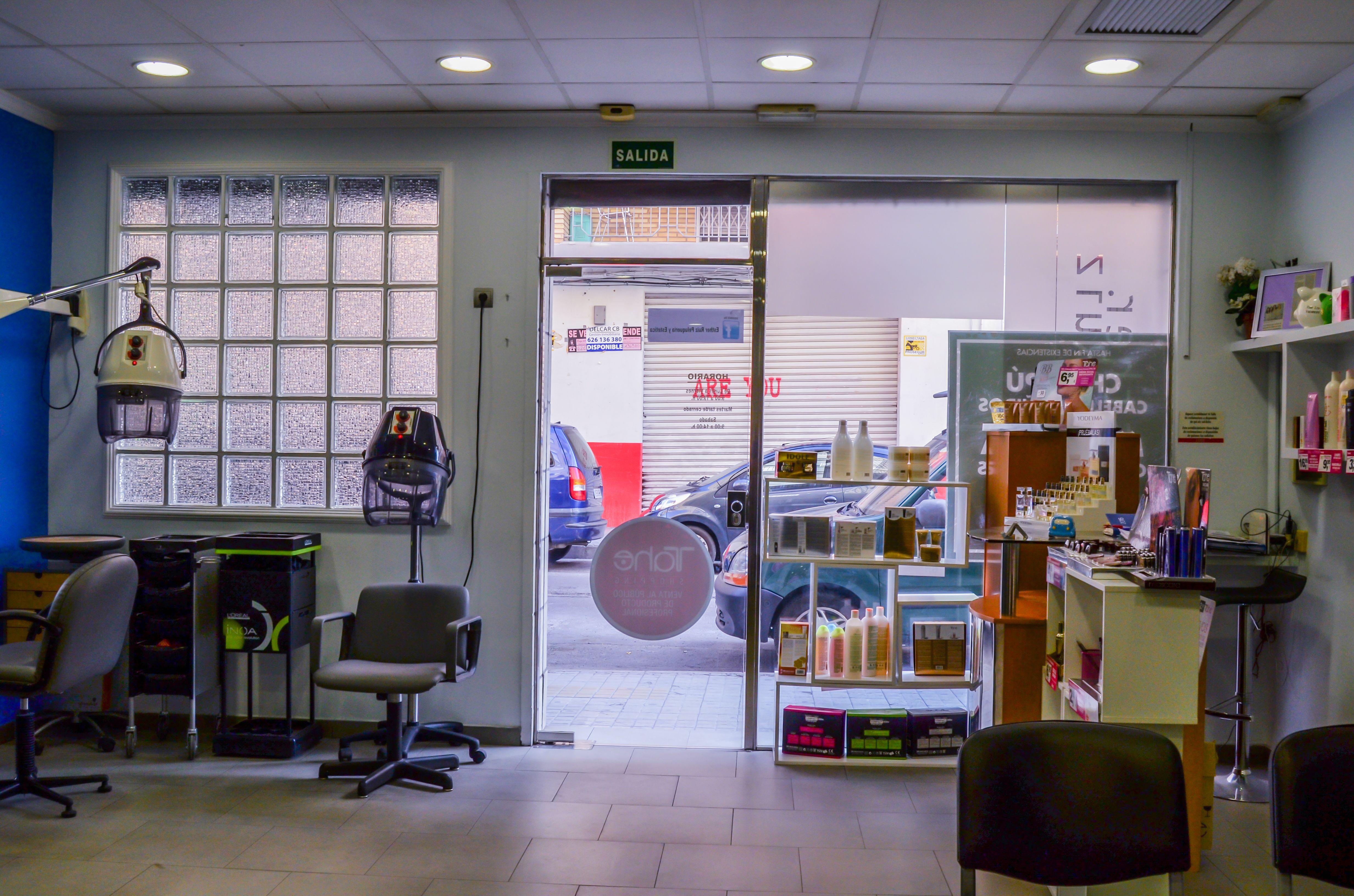 Foto 1 de Peluquería mujer-hombre en Valencia | Esther Ruiz Peluquería y Estética