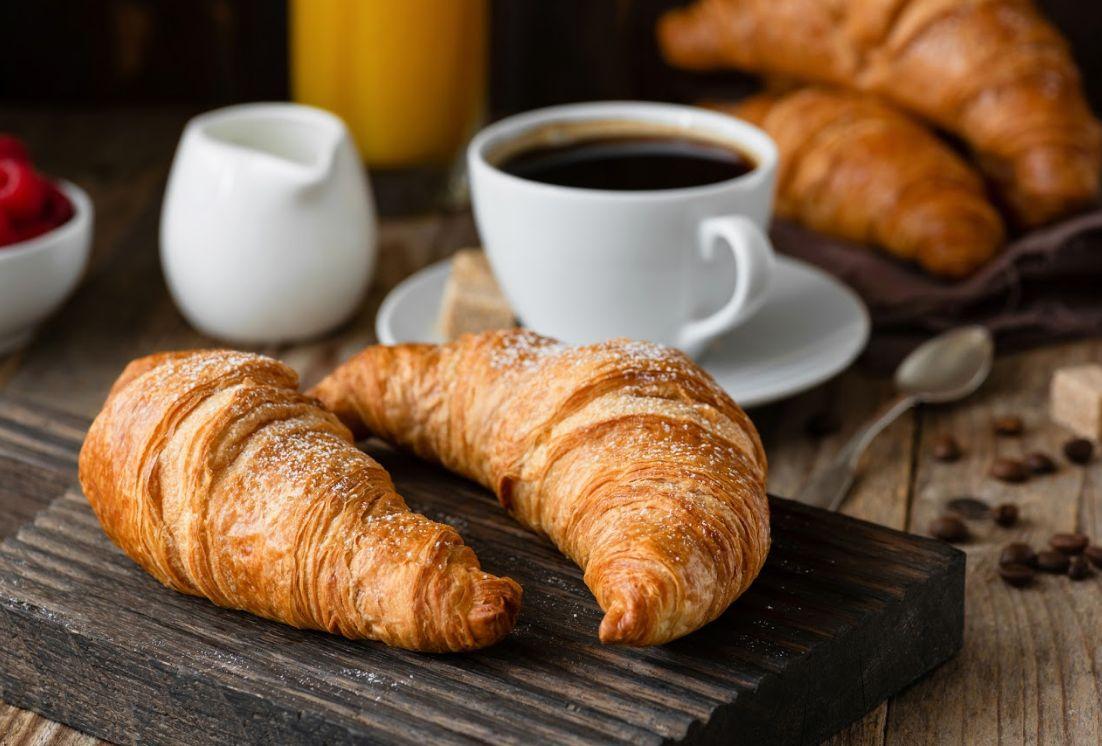 Cafetería con desayunos completos