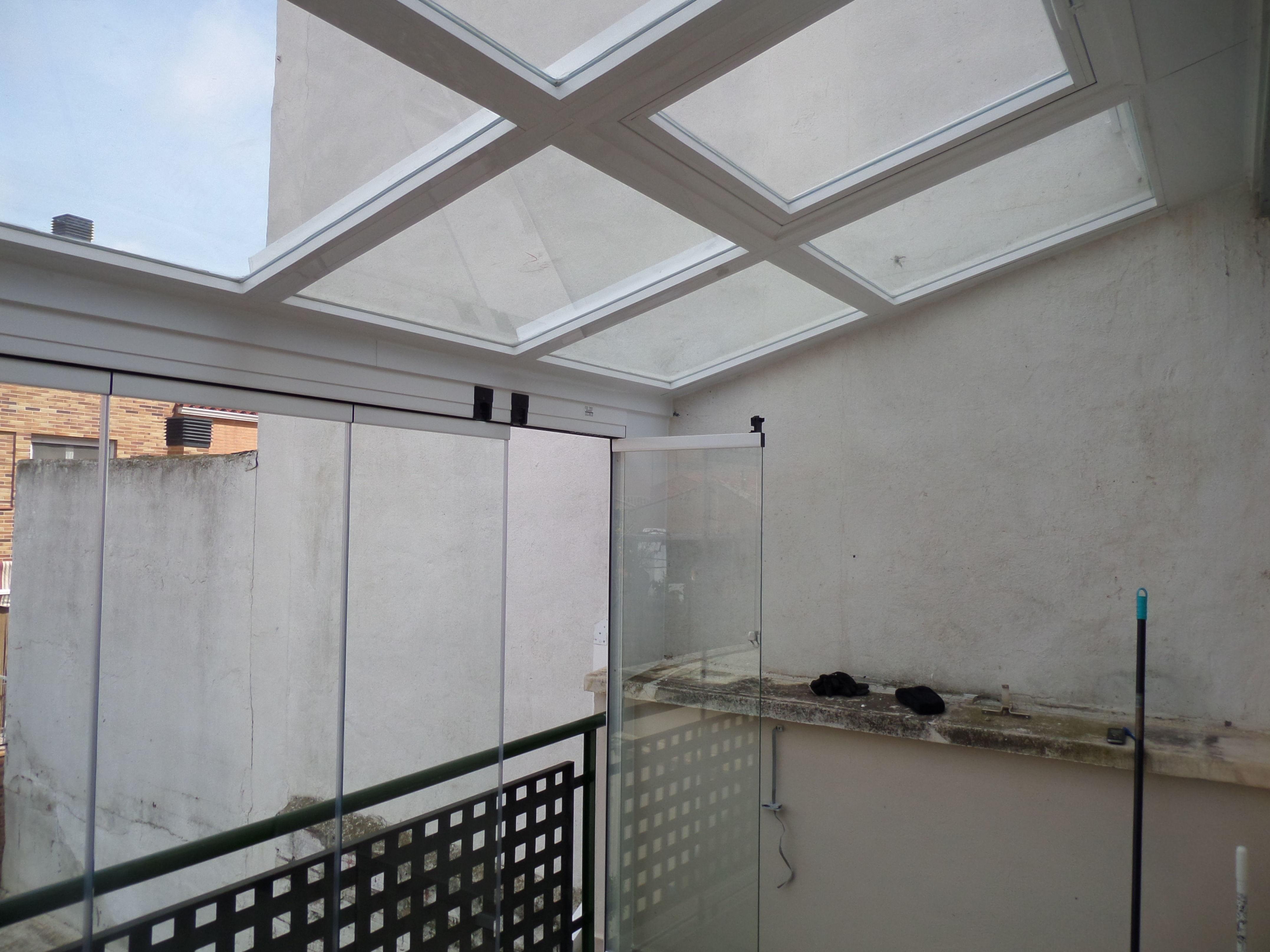 cerramiento cortina de cristal y techo