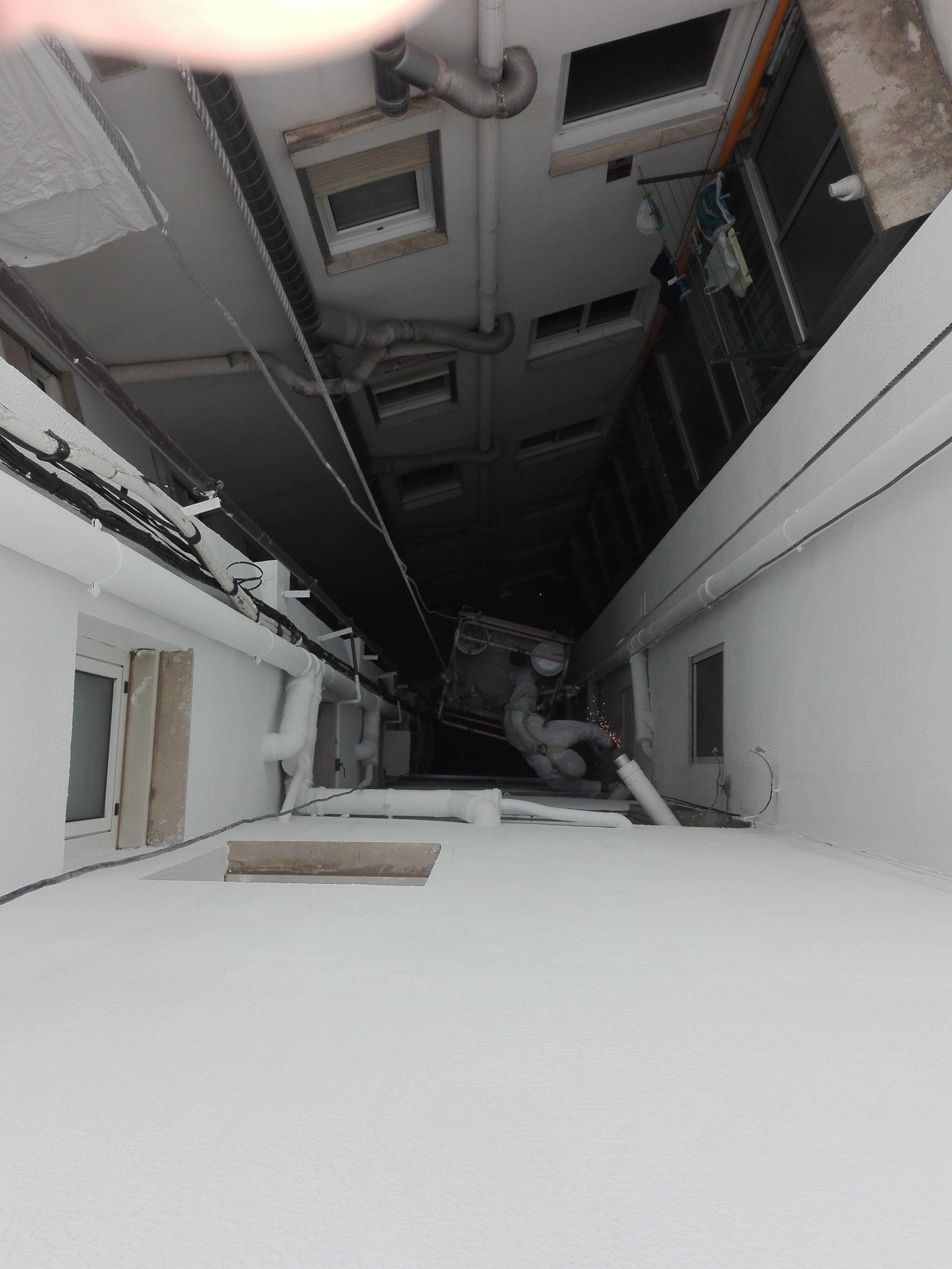 Rehabilitación de patios interiores en Granollers