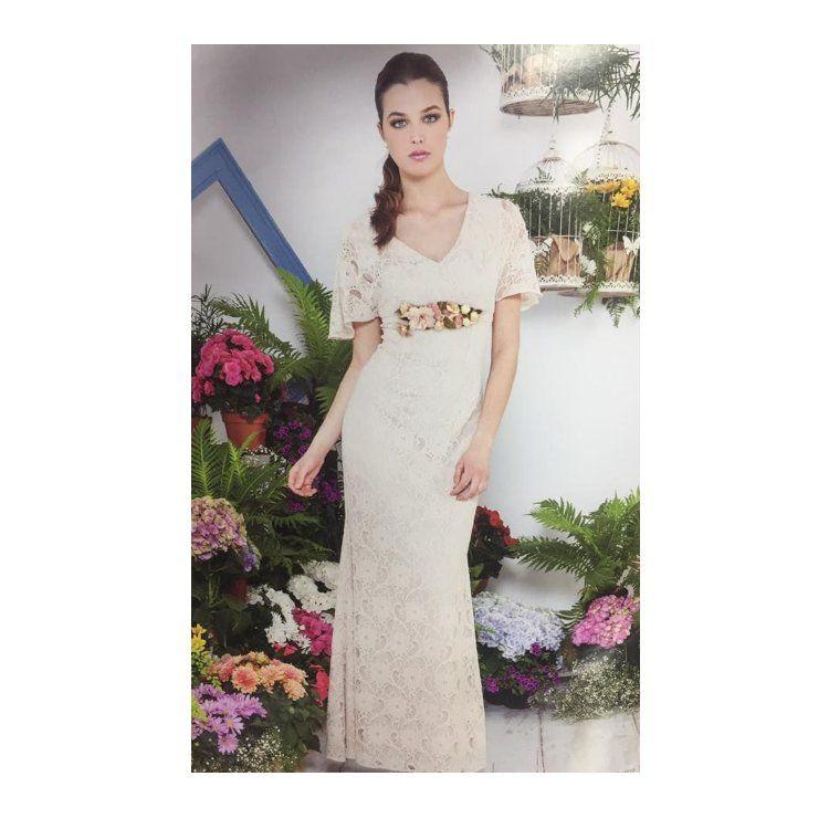 Novia boda civil: Catálogo de Modas Platinium Ceremonias