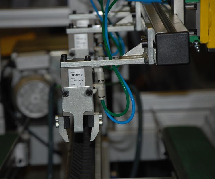 Máquina de troquelar en línea en Cataluña