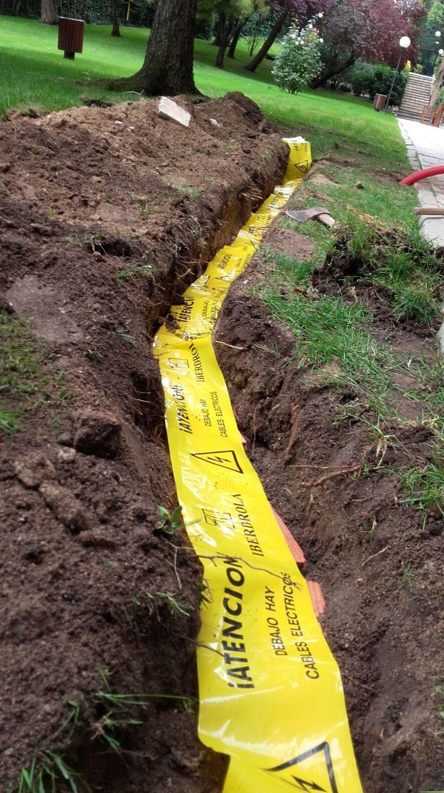 Protección de tubos en zanja