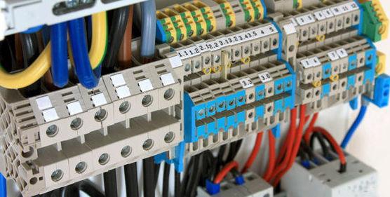 Reparaciones eléctricas: Servicios de Totser Centro
