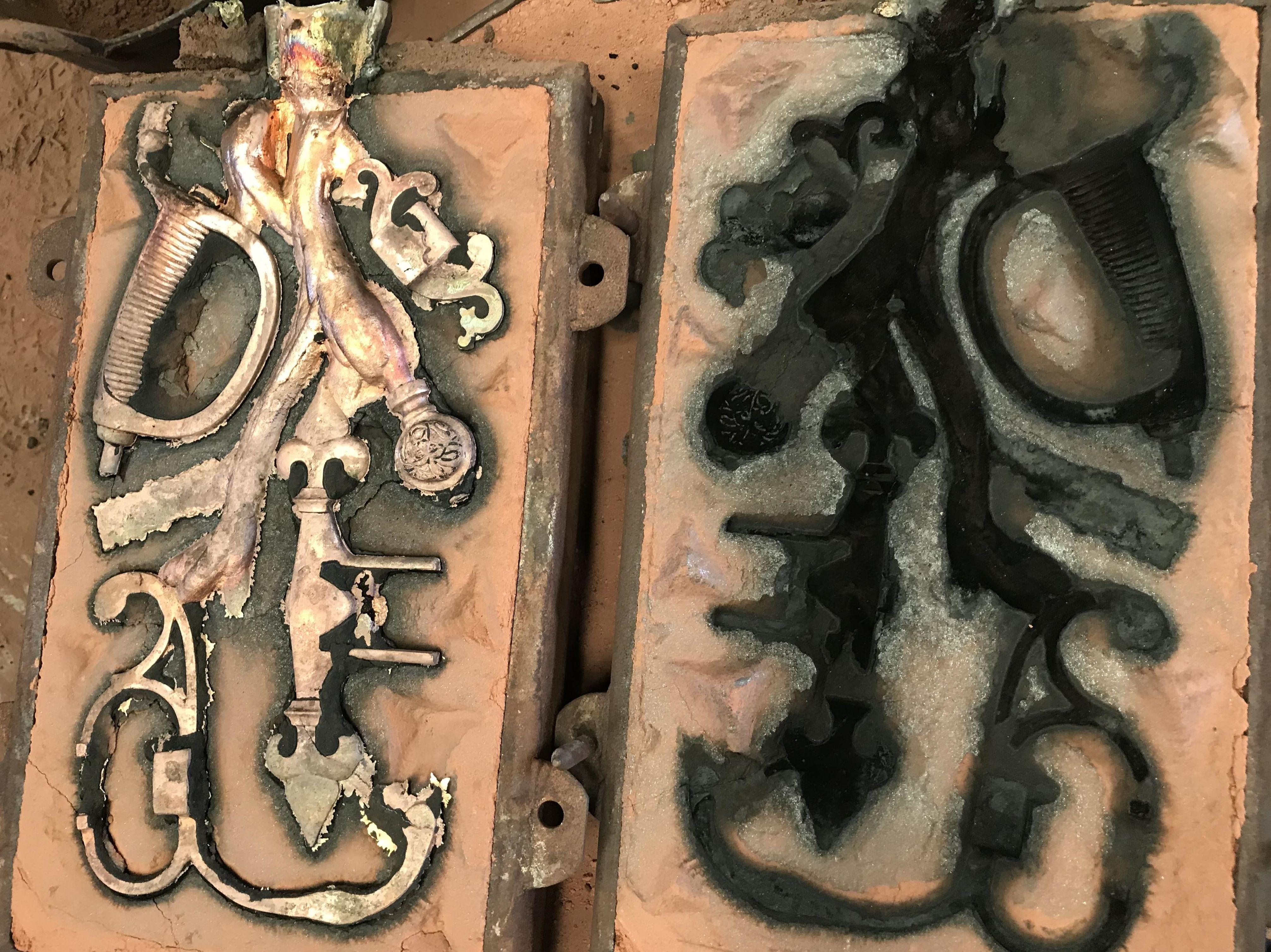 Empuñadura espada en molde de arena 1