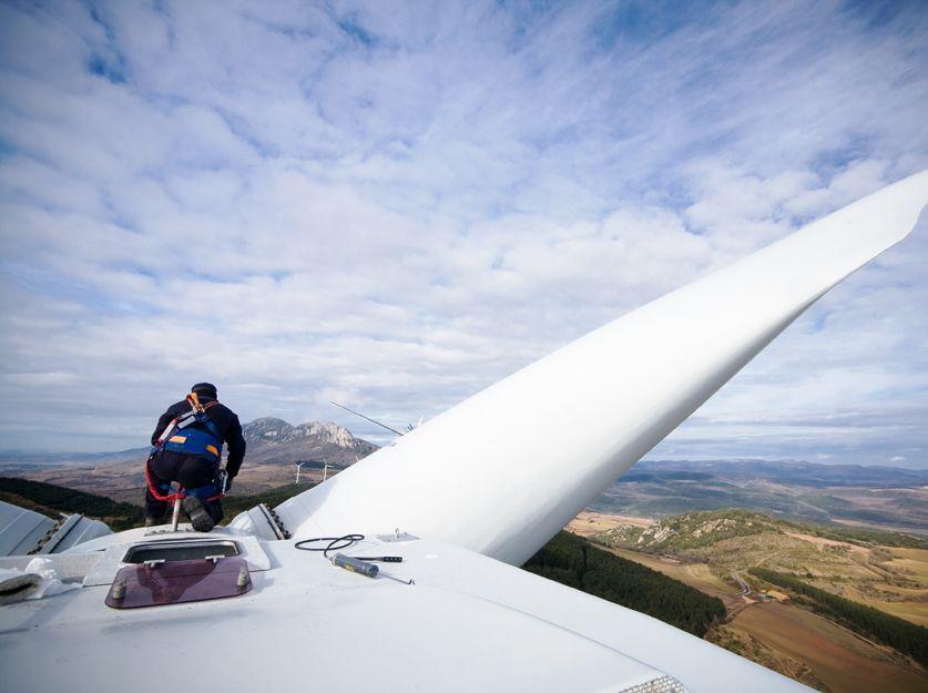 Empresa especializada en mantenimiento de parques eólicos en Canarias