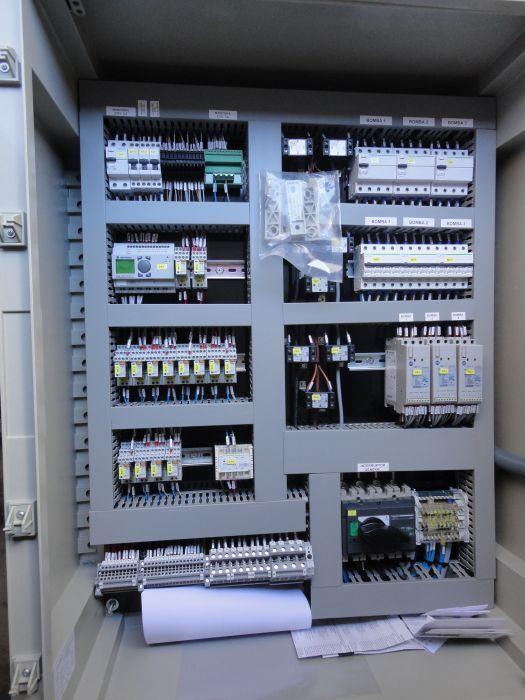 Fabricación de cuadros eléctricos: Servicios de Ammetronic 96, S.L.