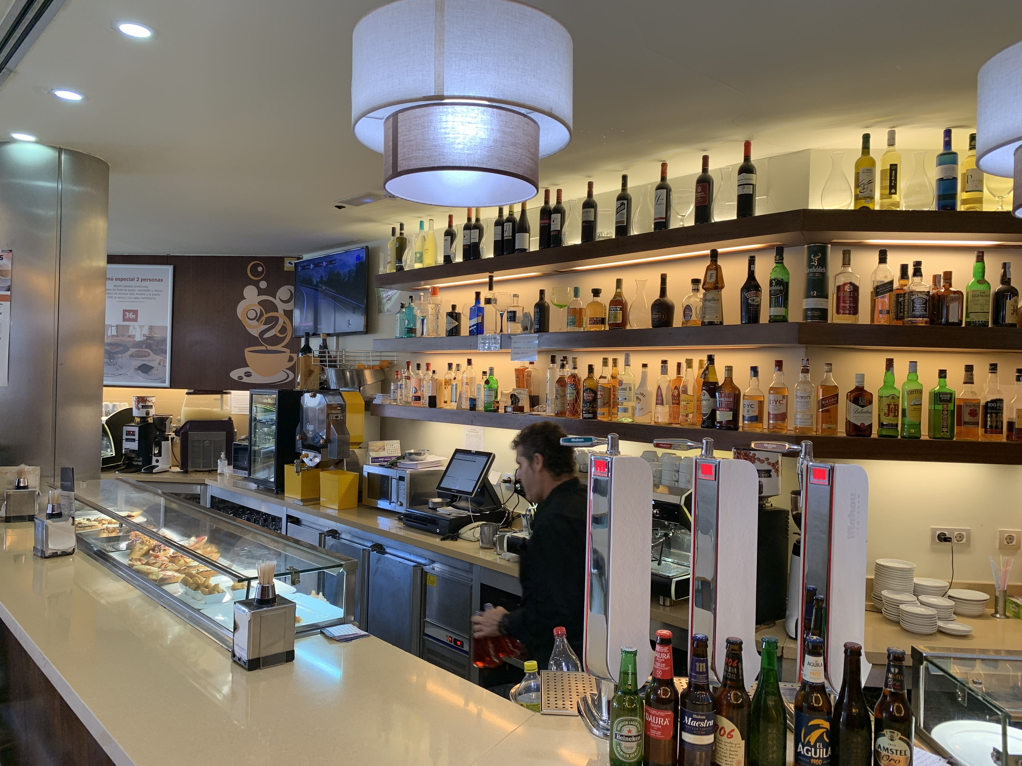 Bar - restaurante en Ávila