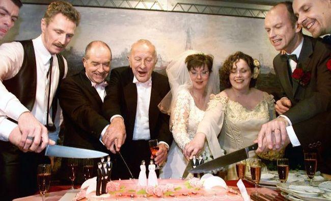 1 de mayo se celebran las primeras cuatro bodas homosexuales