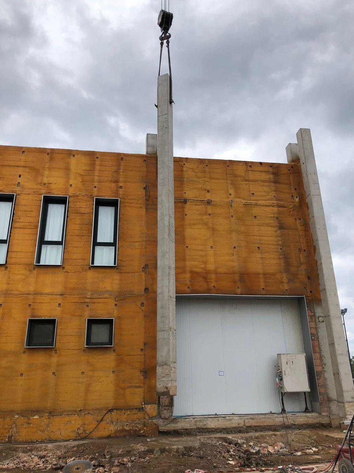 Cortes de pilares de diez metros de altura